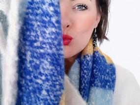 accessoires armbandjes oorbellen sjaals handtassen sothys zonneproducten makeup make-ups