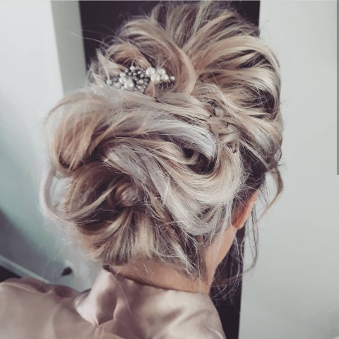 opsteekkapsel hairstyling marifique